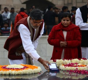 Kailash Satyarthi and wife Sumedha at Gandhi's Memorial at Rajghat