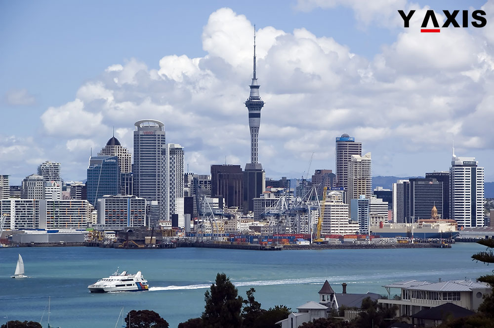 Mgrants and tourists visiting New Zealand reached a new high