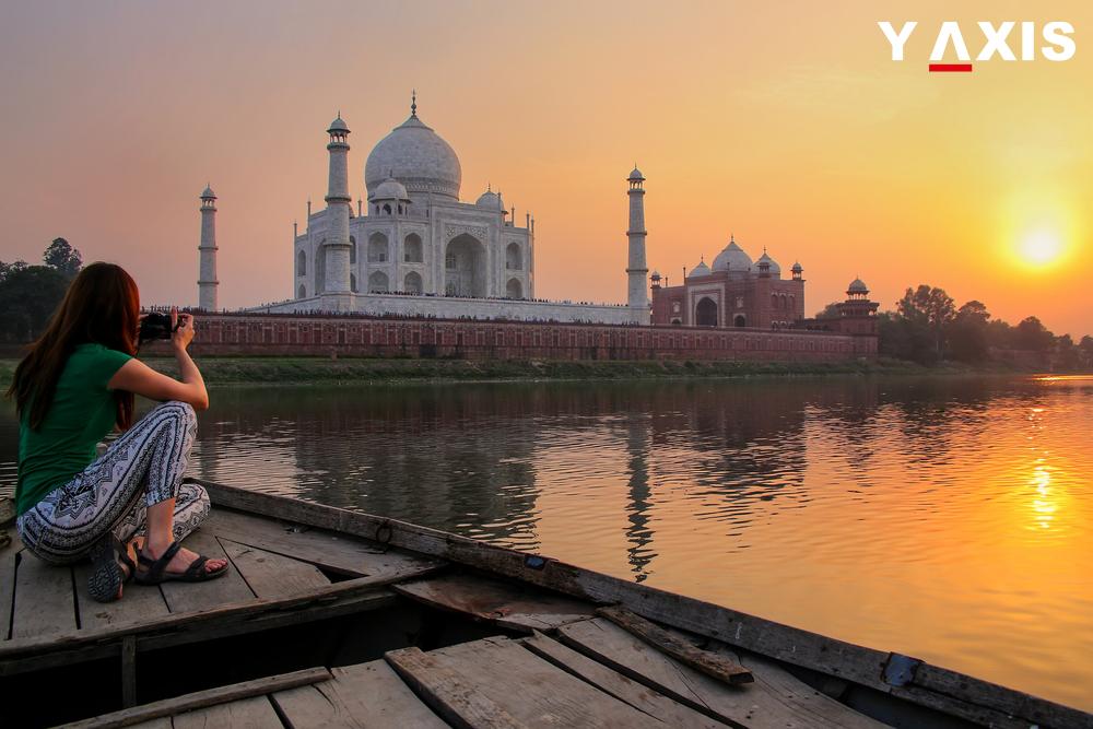 Overseas tourist